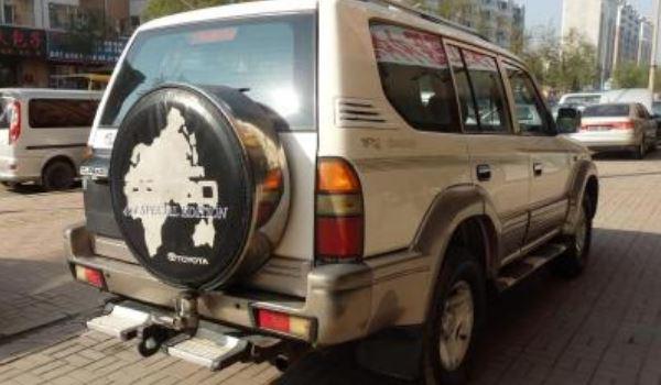 跟丰田霸道外形相似的车 北京汽车生产的路霸车型