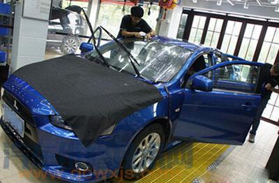 汽车贴膜用的是什么水?汽车贴膜为什么要用(喷)水