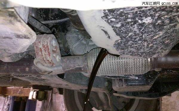 旧机油没放干净有什么影响,汽车保养剩下的机油还能用吗