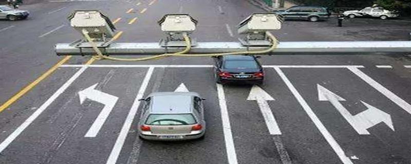 过停止线多远算闯红灯图解,过停止线多远算闯红灯图片