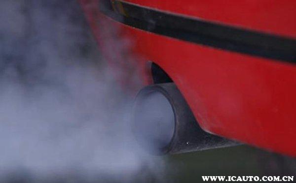 排气管突然大量冒白烟,排气管冒白烟是怎么回事