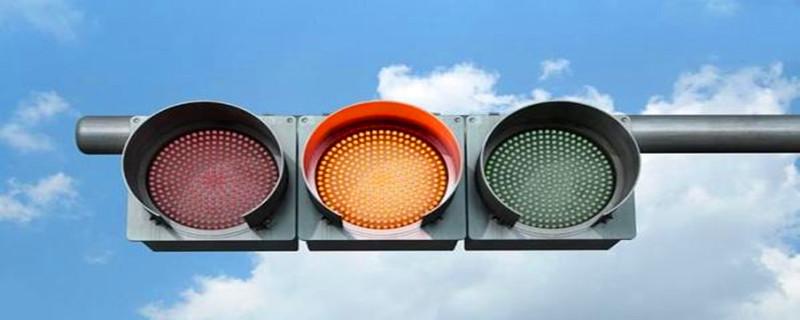 没有右转灯,只有直行绿灯可以右转吗,没有左转灯,只有直行红灯可以左转吗
